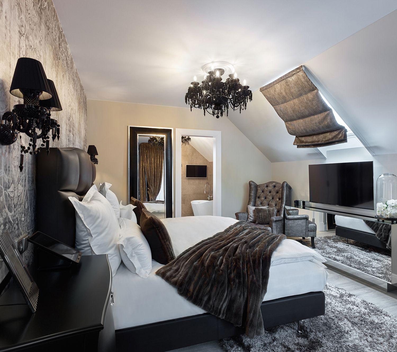 Deluxe Room 206